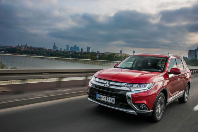 Book-Of-Luxury-Mitsubishi-Outlander-56