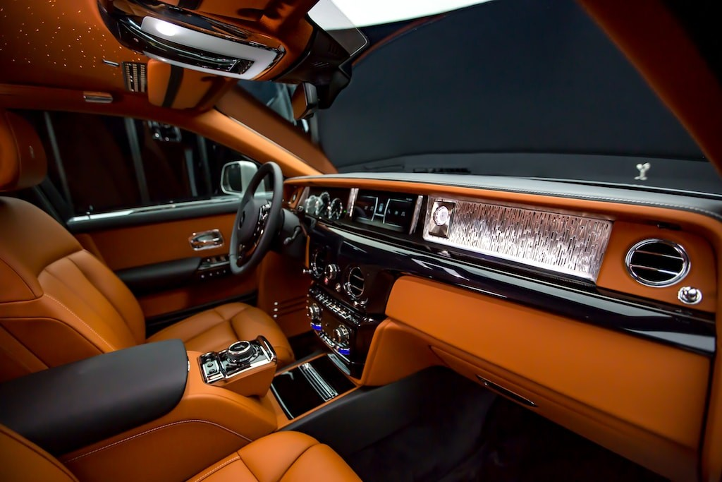 book-of-luxury-rolls-royce-phantom-7